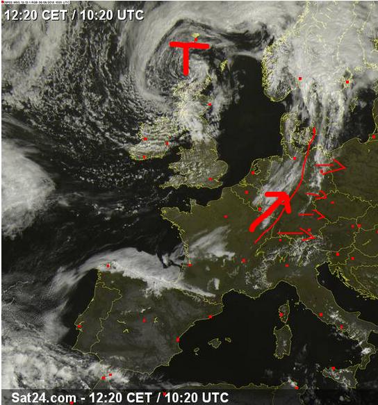 Aktuelle Lage Tief Lothar über Schottland und die Zugrichtung der Gewitterlinie